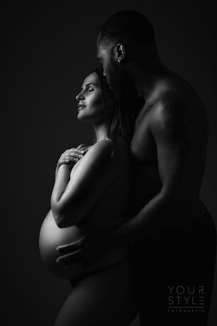 Zwangerschap fotosessie donker