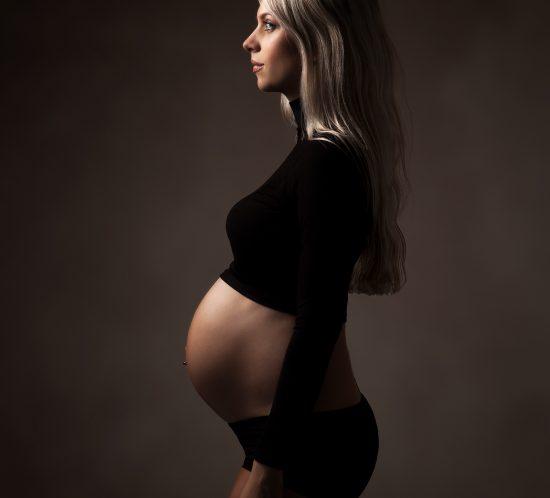 Foto zwanger krachtig en donker