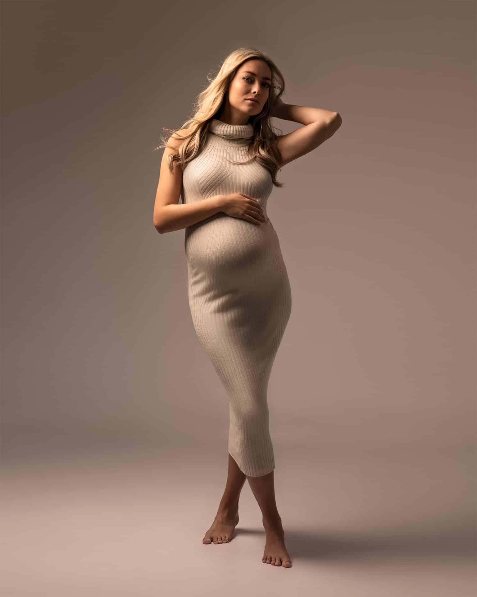 zwangerschap fotoshoot in jurk