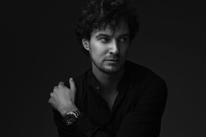 Zwart-wit portret man