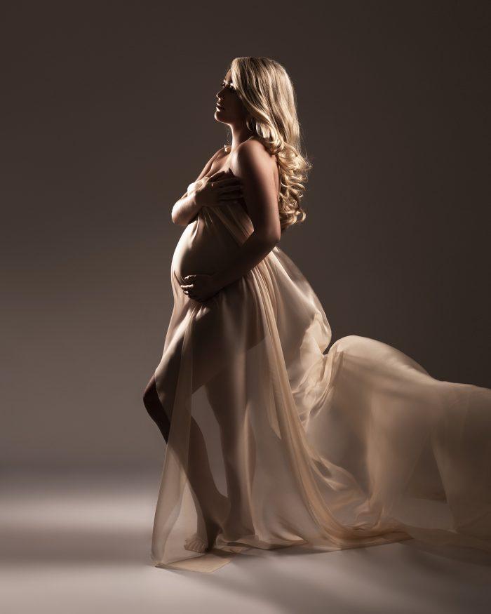 Zwangerschapsfotoshoot silhouet